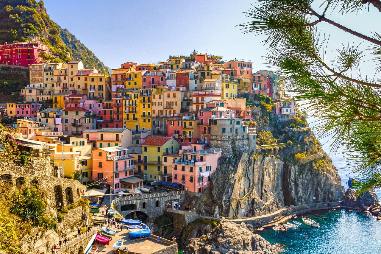 fully funded scholarships italy